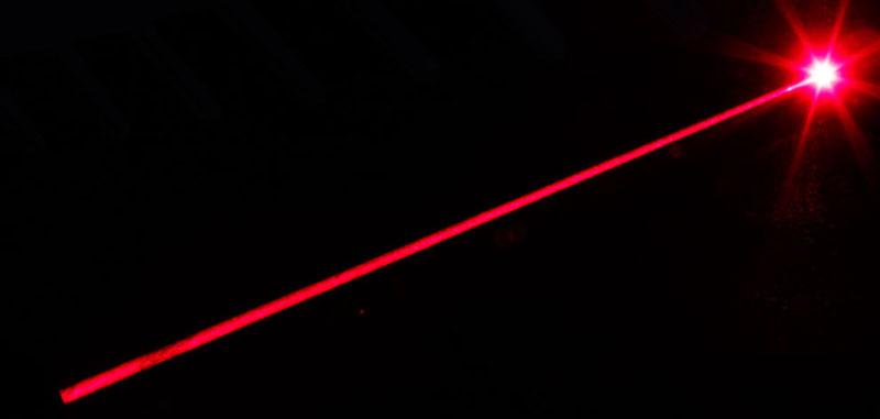 laserski zrak snop svetlosti