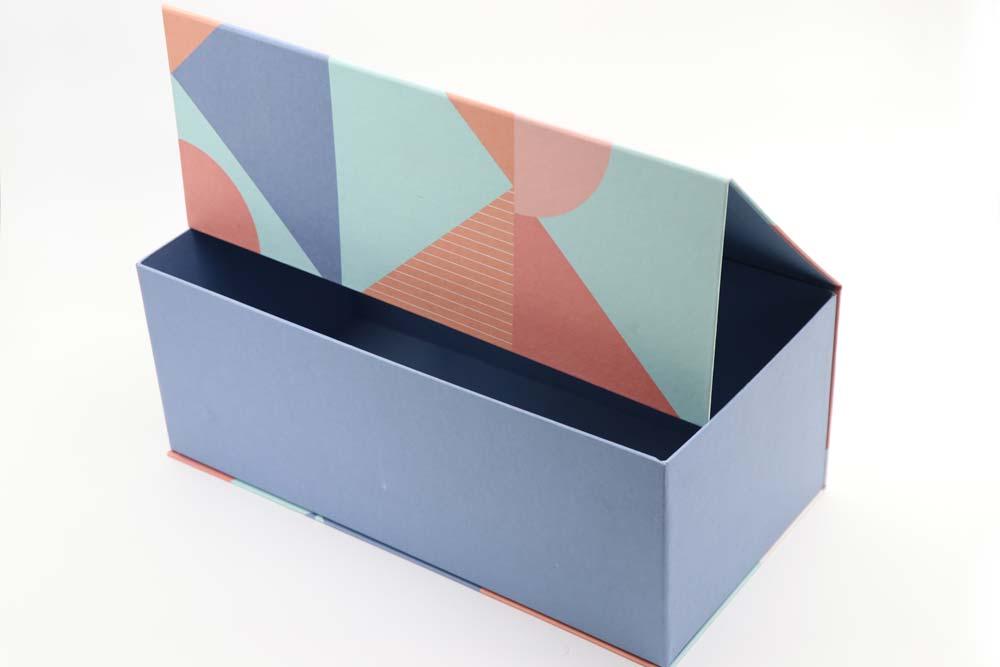 šarene luksuzne kutije